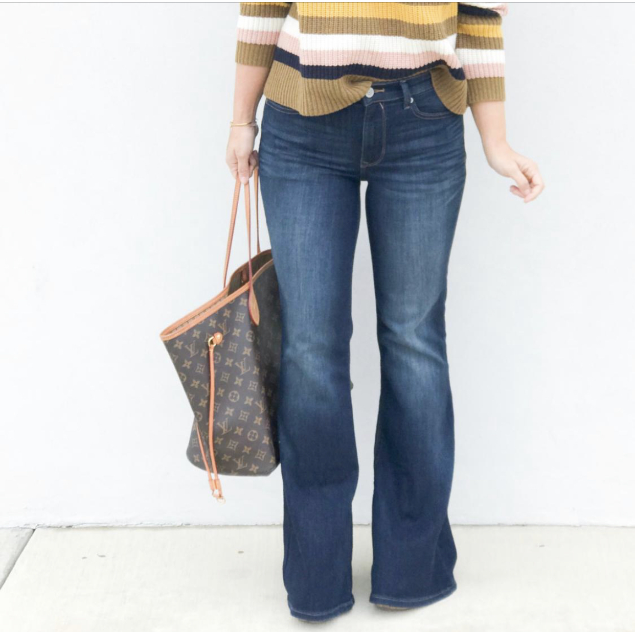Bell Flares, How to Style Flare Jeans, Flares, Bell Bottoms, Express Flares, Wide Leg Jeans, https://rstyle.me/n/dbr5gxccvt7