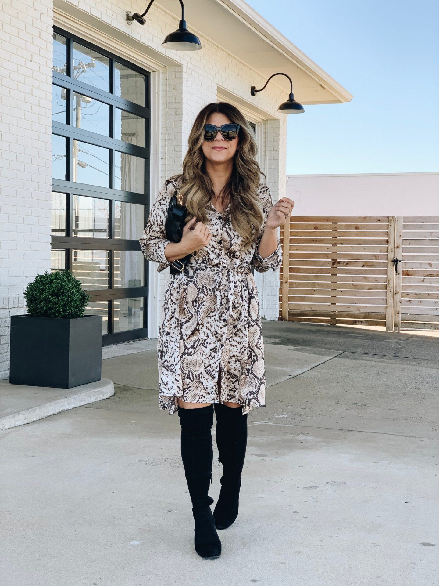 How to style a snakeskin dress, snakeskin, fanny pack, how to wear a belt bag, snake skin, how to style over the knee boots, www.lindseymeek.com
